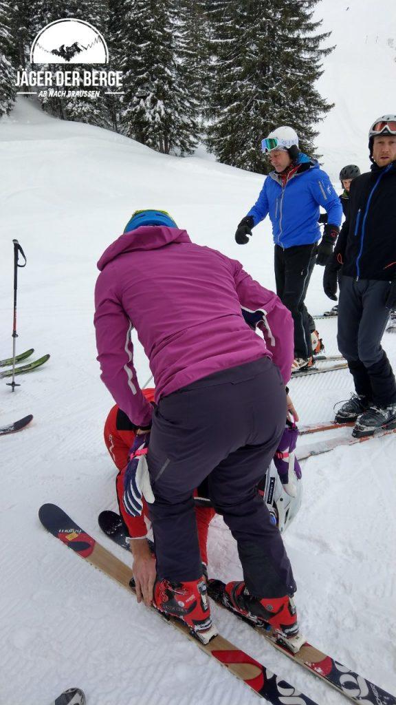 Beim Telemark muß man erstmal in die Bindung kommen.