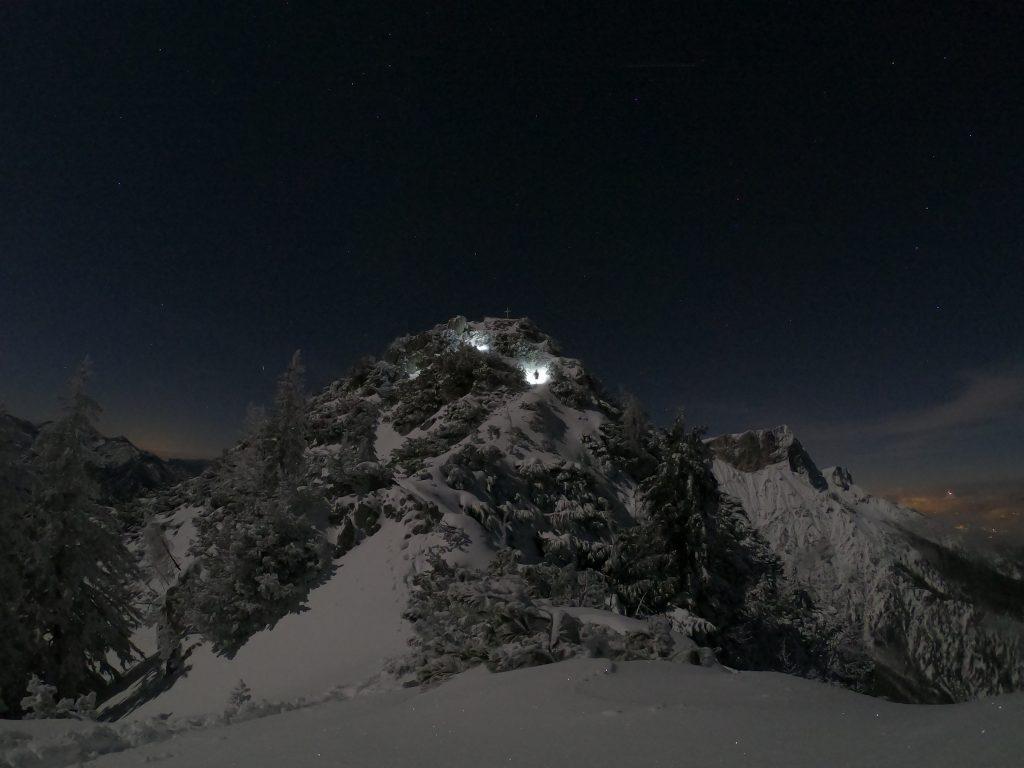 Nachts am Berg – Spontane Winterwanderung auf den Rauhen Kopf