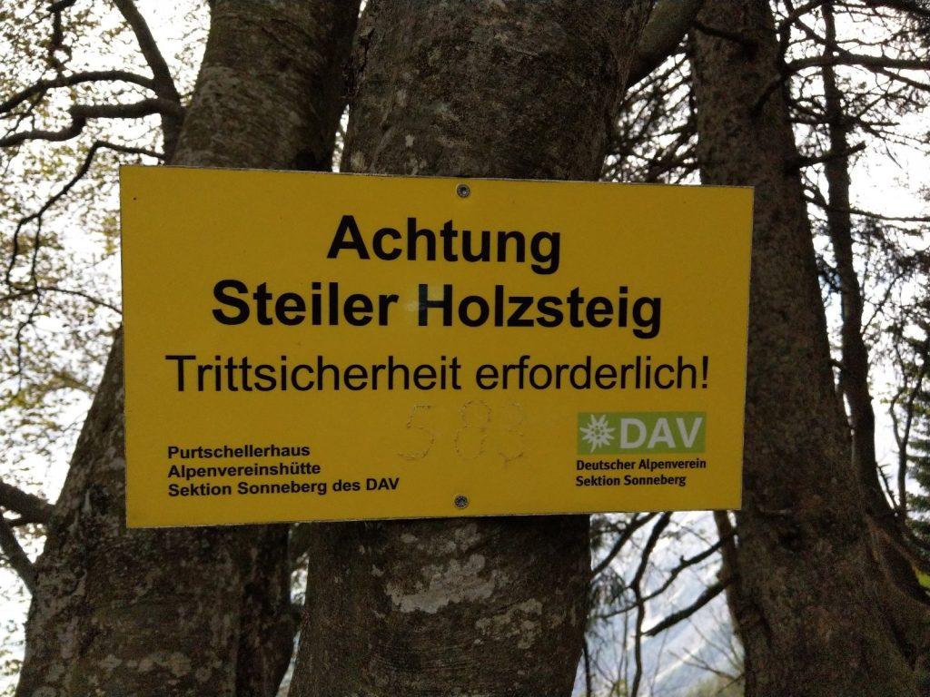 Deutscher Weg hinauf zum Purtschellerhaus